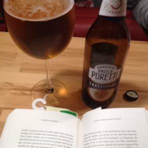 Une bonne bière et un bon livre de brassage